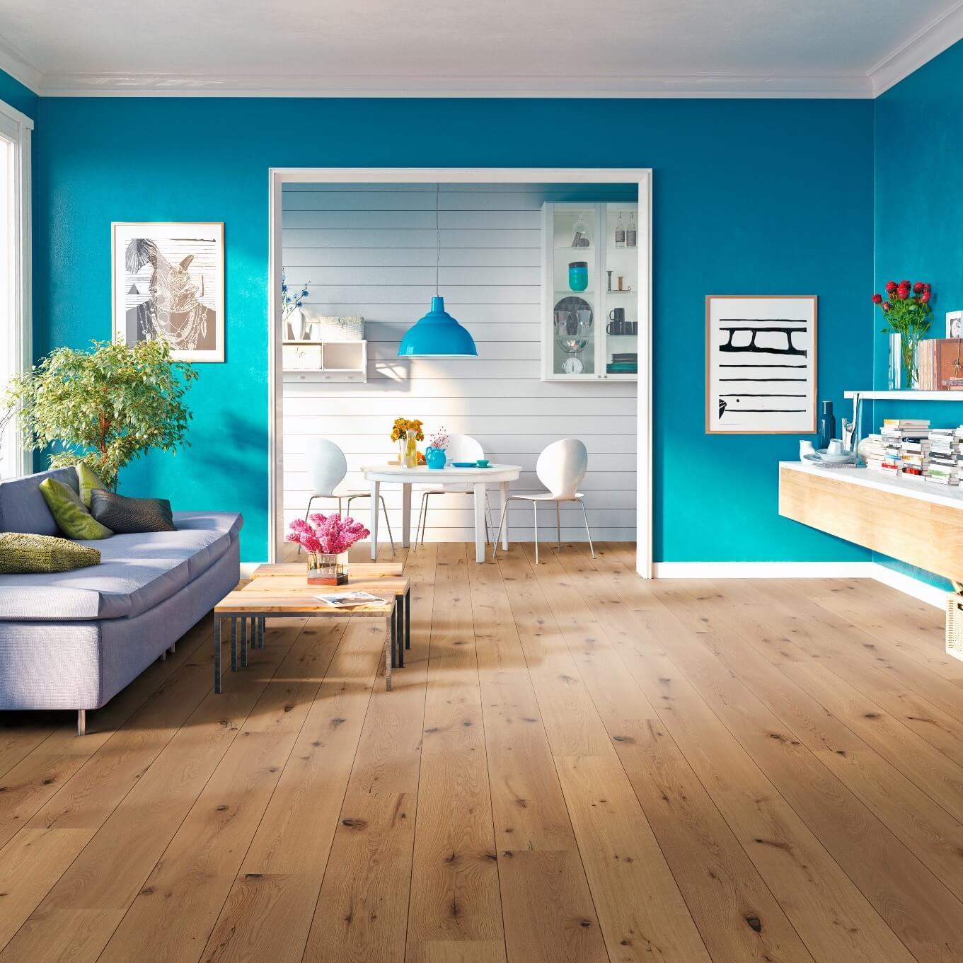 Wohnzimmer mit Dielen Fußbodenbelag